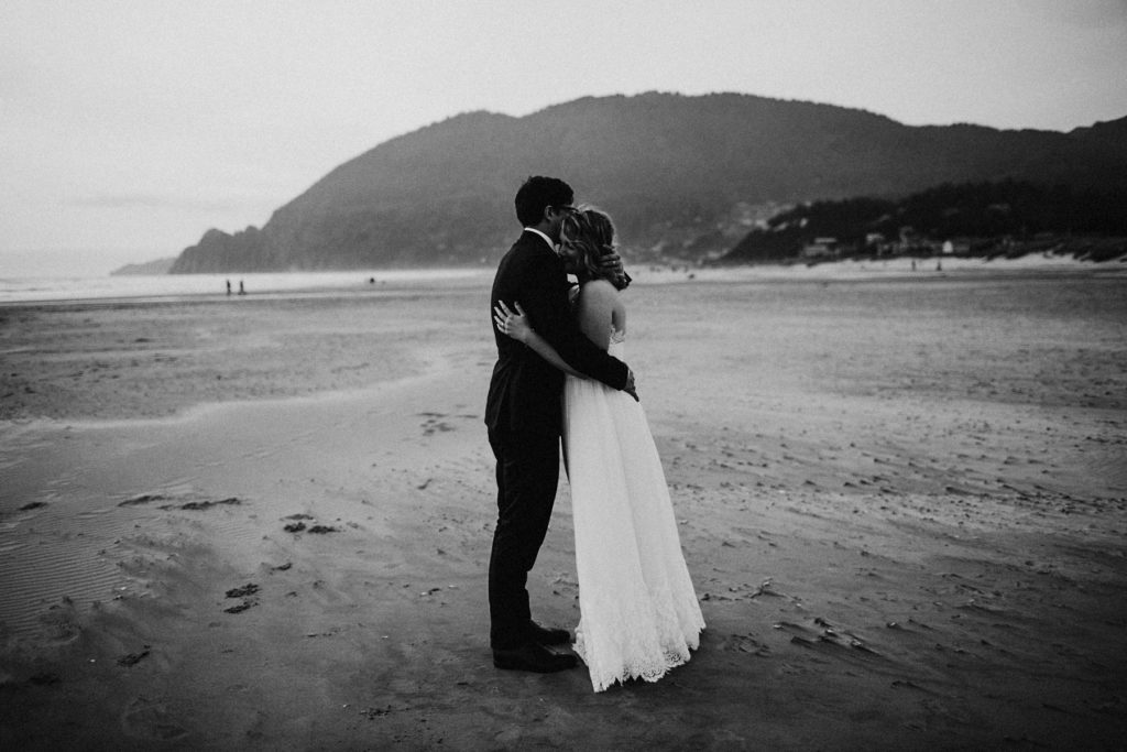 oregon-coast-intimate-wedding-162