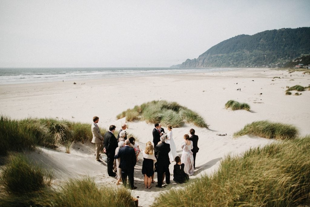 oregon-coast-intimate-wedding-40