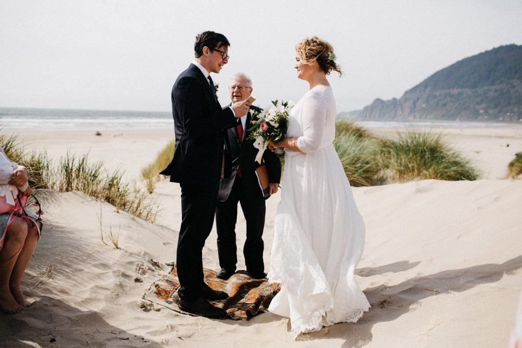 oregon-coast-intimate-wedding-87
