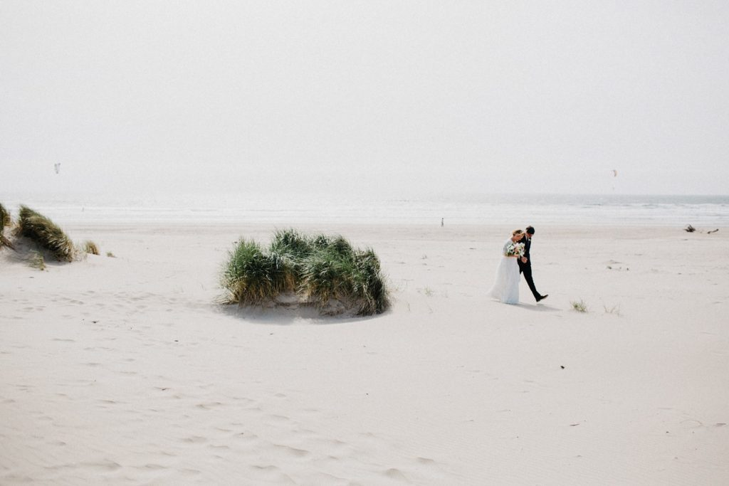 oregon-coast-intimate-wedding-98